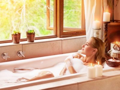 Treat your bathroom (and yourself) to a beauty session with acrylic bath repair