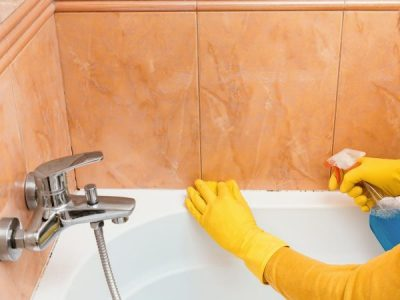 How to Treat Mould in Your Bathtub Safely and Sustainably