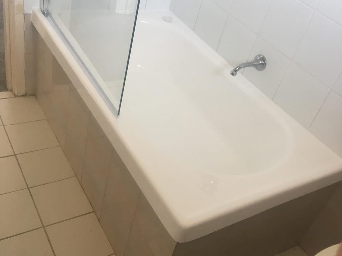 Huntly, Victoria Bath Repair with Screen