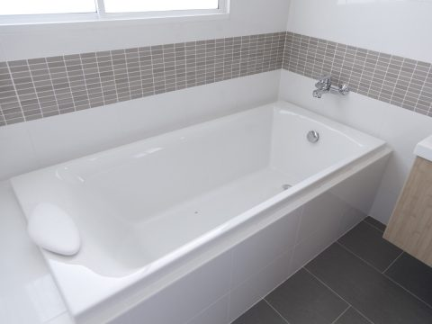 Take the stress out of bath repairs with relining services. Have your damaged bath back up and running within one day with bath relining services! Cracked shower bases can be fixed quickly when relining!