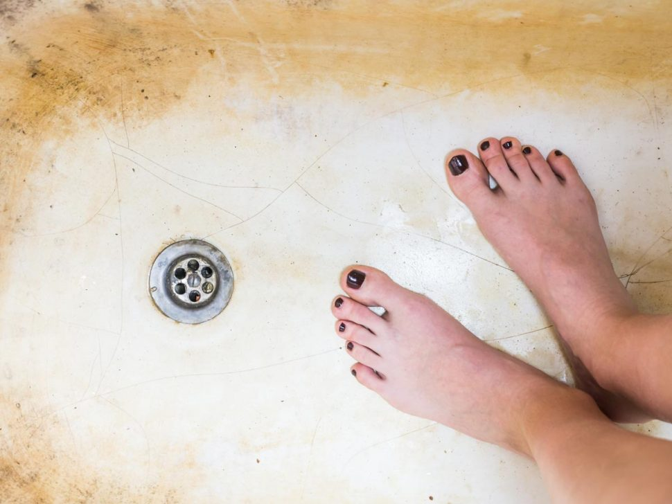 Inner Bath can fix your cracked bathtub in just three hours!